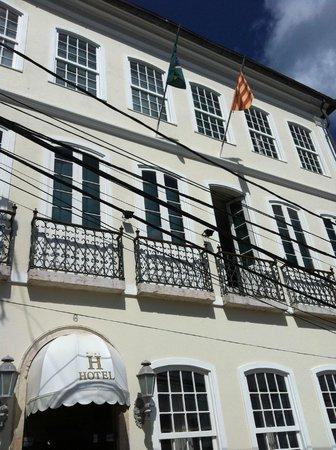 A Casa das Portas Velhas :                                     Falta bandera de España y del estado de Salvador