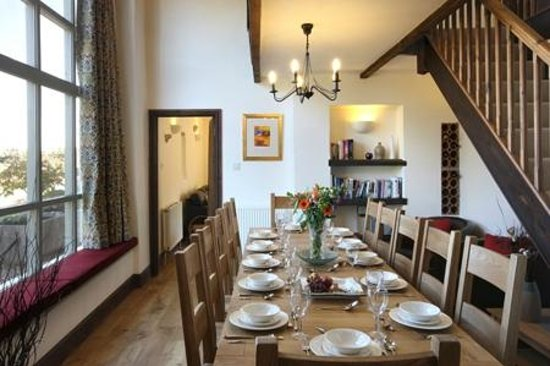 ‪‪Church Farm Country Cottages‬: Old Granary Dining Room‬