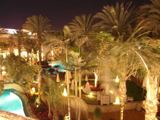 Isrotel Agamim: Ook 's avonds is de sfeer prima!