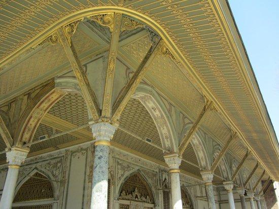Chora Guesthouse:                   Topkapi Palace