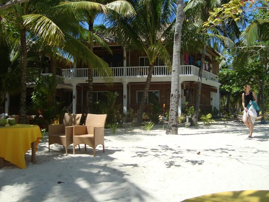 Malapascua Exotic Island Dive & Beach Resort:                   vista camera fronte spiaggia
