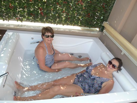 Pantheon Royal Suite:                   Our great Jacuzzi, a lifesaver on a very hot day
