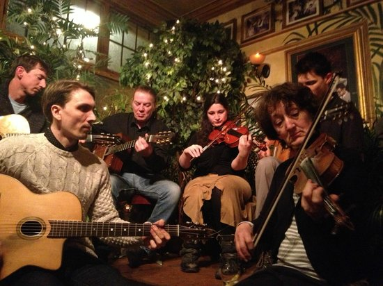 Le QuecumBar & Brasserie:                   Jam session on Tuesday nights