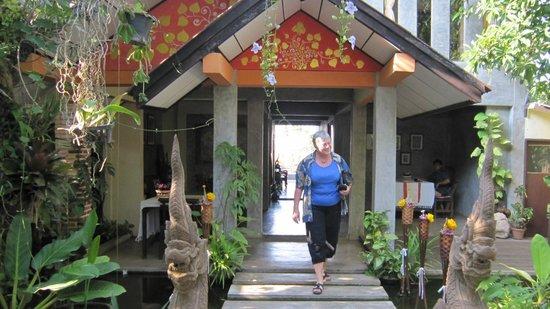 Sofa Gallery Hotel : Indgangsparti