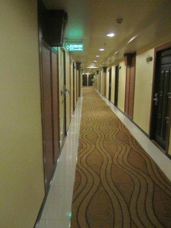 Asia Hotel Bangkok:                   Hallway