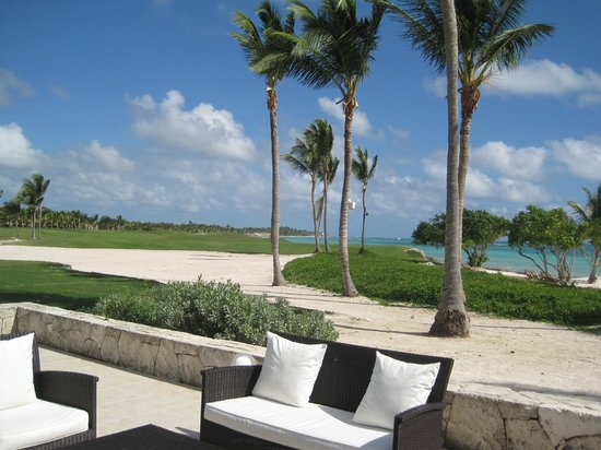 Tortuga Bay Hotel Puntacana Resort & Club :                   Spa, pool, restaurants and beach