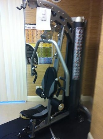 Universal Palms Hotel:                   broken gym equipment
