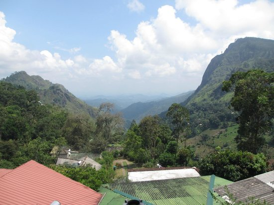 Hilltop Guest House:                   Gorgeous view of Ella Gap from balcony