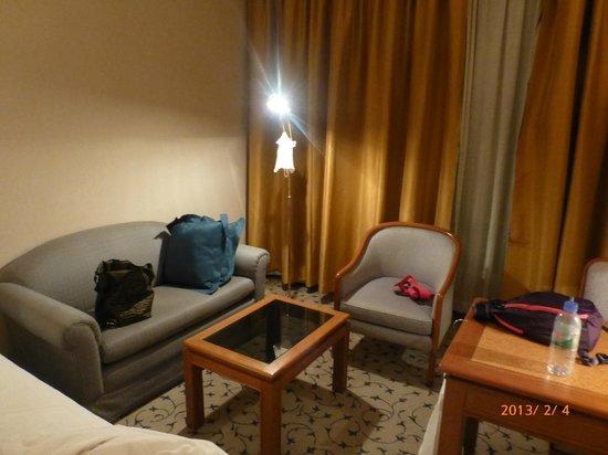 Landmark Bangkok:                   部屋のソファー