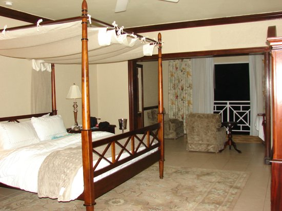 Sandals Royal Plantation:                   Our room