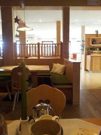 Hotel Falken:                                     Zona pranzo