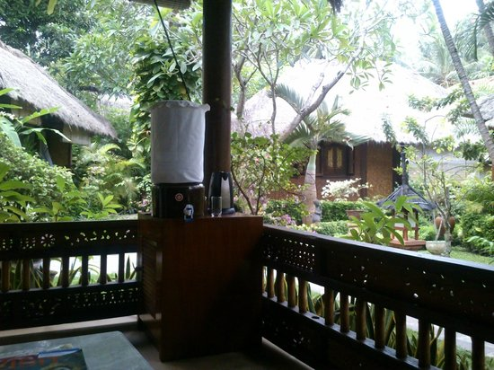 Puri Mas Boutique Resort & Spa:                   sit out balcony and coffee corner