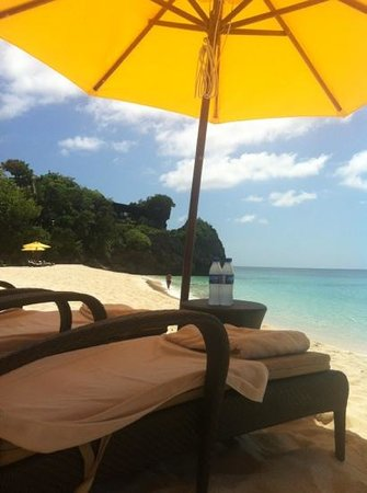 Shangri-La's Boracay Resort & Spa: на пляже