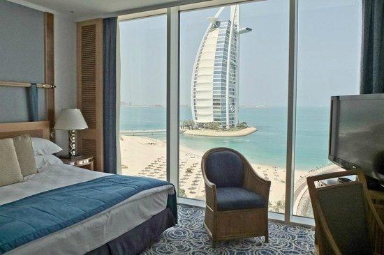 Jumeirah Beach Hotel: Номер с видом на море