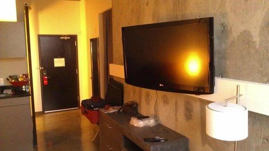 HotelRED:                   TV