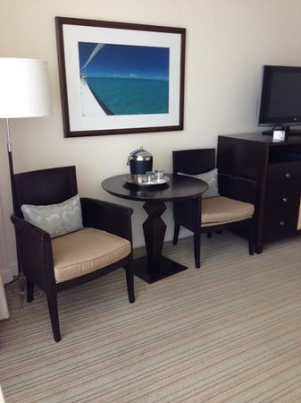 Hilton Fort Lauderdale Marina:                   Sitting area