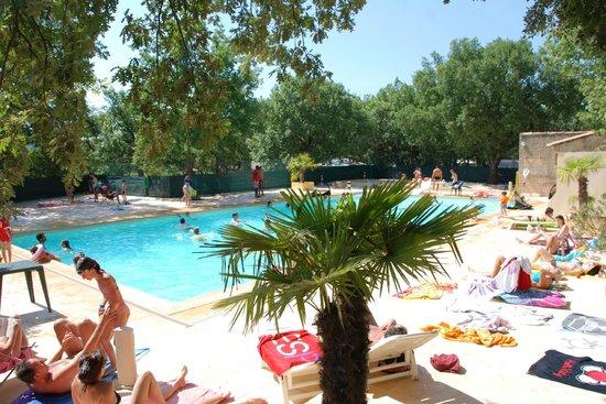 Domaine les Chênes Blancs : La piscine entièrement rénovée de 200 m²