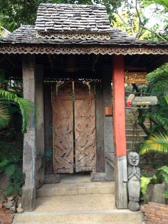 Santhiya Koh Phangan Resort & Spa:                                     Doorway Leading To Room