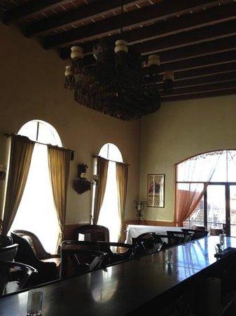 Todos Santos Inn:                                     bar