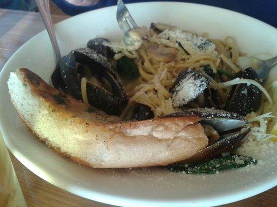 The Island Grille & Raw Bar :                   Mussels Diablo
