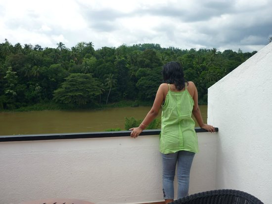 Cinnamon Citadel Kandy:                   the room's balcony..