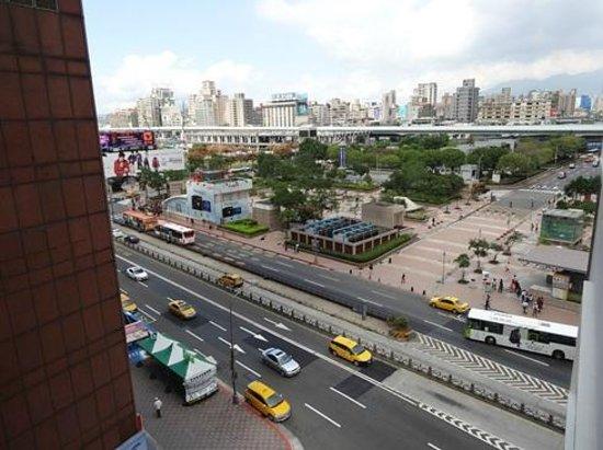 Caesar Park Taipei:                   台北駅