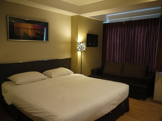 Bangkok Loft Inn:                   Our lovely room. :)
