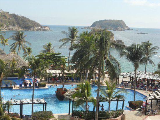 Barcelo Huatulco:                   View from our daughter's room