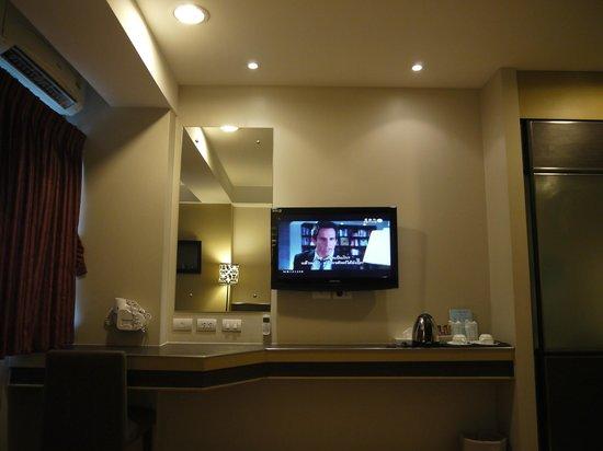 Bangkok Loft Inn:                   Our lovely room. :)