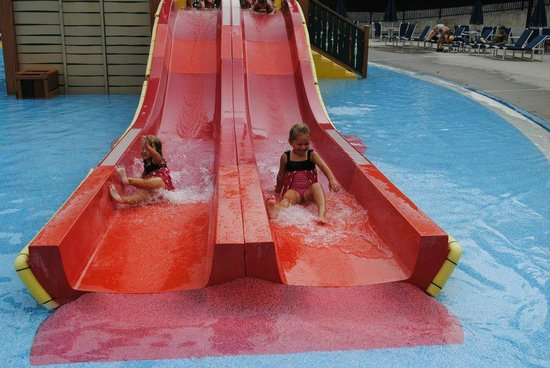 Yogi Bear's Jellystone Park Camp-Resort in Quarryville:                   Racing slides