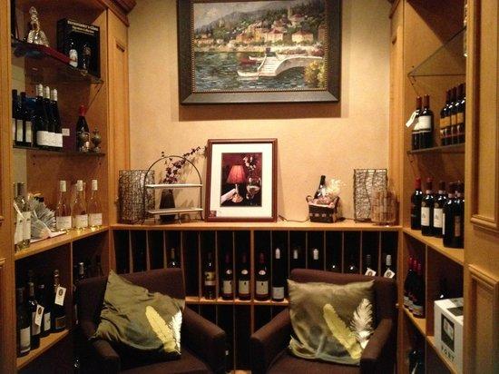 Vintage Vino: Wine Bar