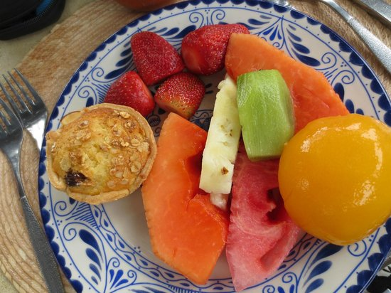 Fiesta Americana Hacienda Galindo:                   Lot's of delicious fresh fruit