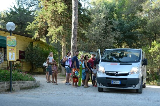 Camping Village Le Pianacce: Navetta per il mare/shuttle bus to the sea