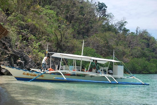 Atwayan Beach:                                     boats docked ashore