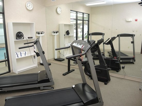 Evergreen Inn and Suites: Exercise Room