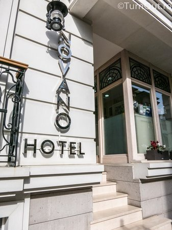 Hotel Novano :                   Hotel entrance ;-)
