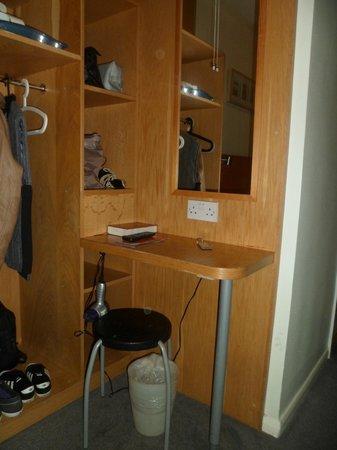 Arriva Hotel: Rangement
