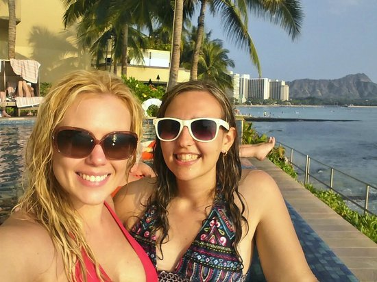 Sheraton Waikiki:                   Good times in the Infinity Pool