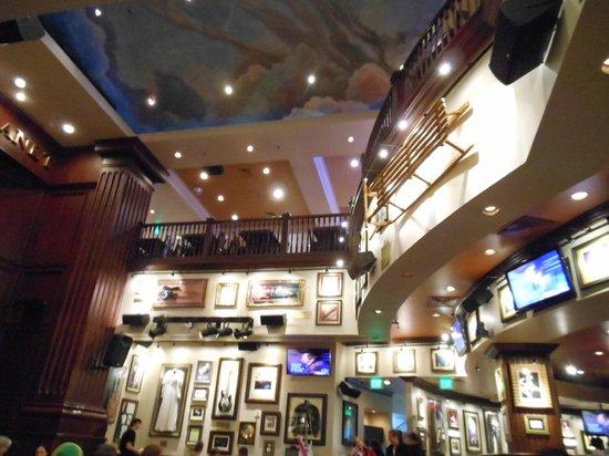 Hard Rock Cafe:                   The interior @Hard Rock