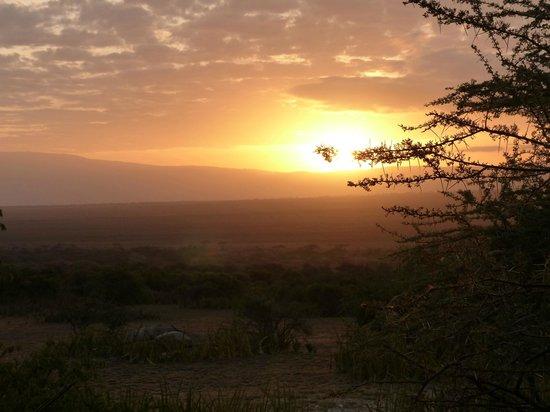 Olduvai Camp:                   sunrise with Ngorngoro crater
