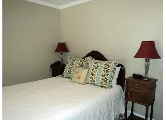 Chanticleer Inn Bed and Breakfast:                   Room #8