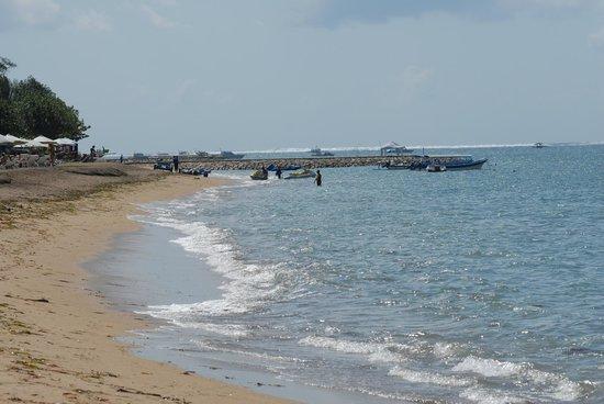 Prama Sanur Beach Bali: Strand