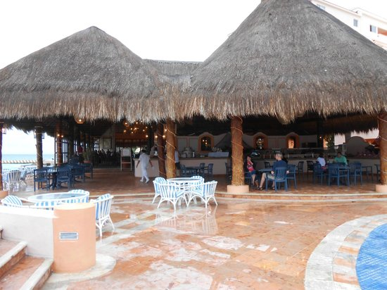El Cozumeleno Beach Resort:                   Snack Bar area
