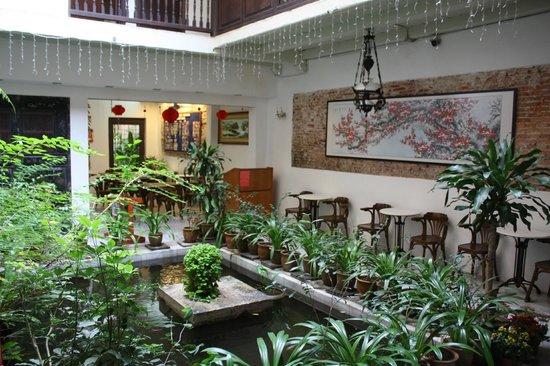 Hotel Puri: Salle du petit déjeuner