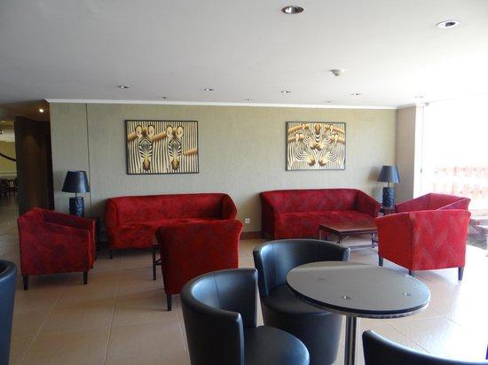 Ole Sereni:                                     sitting area