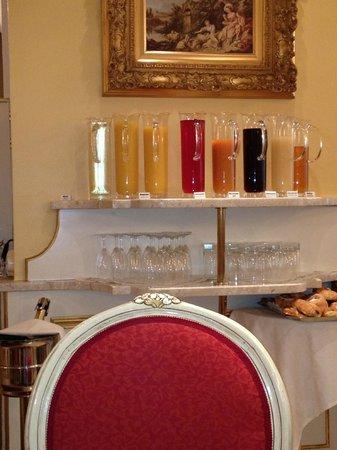Schlosshotel Roemischer Kaiser:                   champagne at breakfast