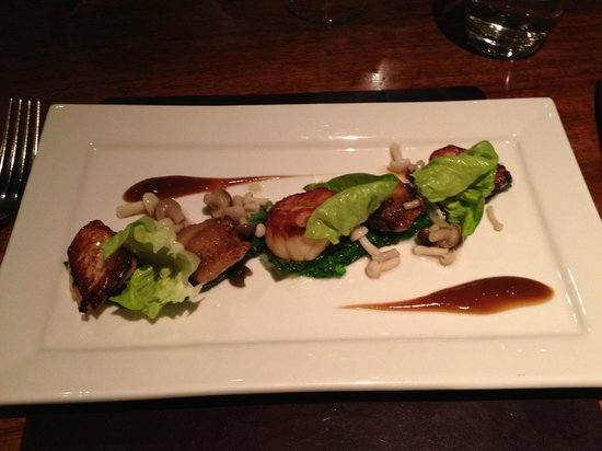 The Feathered Nest Country Inn:                   The scallop starter