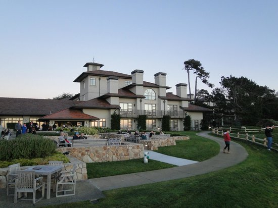 The Inn at Spanish Bay - firepits