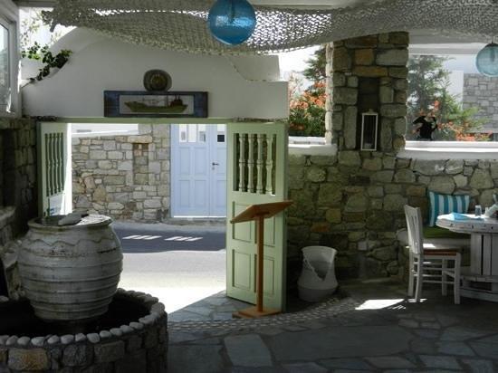 Bellissimo Resort :                   restaurant entrance