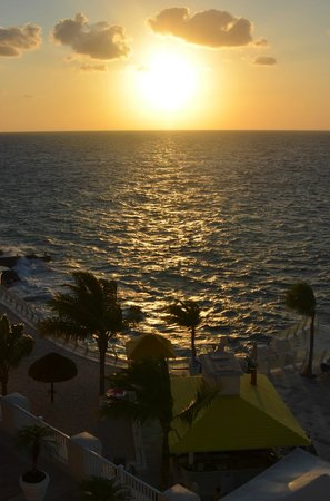 Cozumel Palace:                   Sunset from Room 518